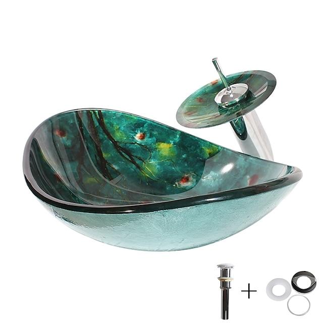 حوض غسيل زجاجي حديث بسيط مع تشطيب صنبور كروم ، صنبور حمام مستطيل الشكل