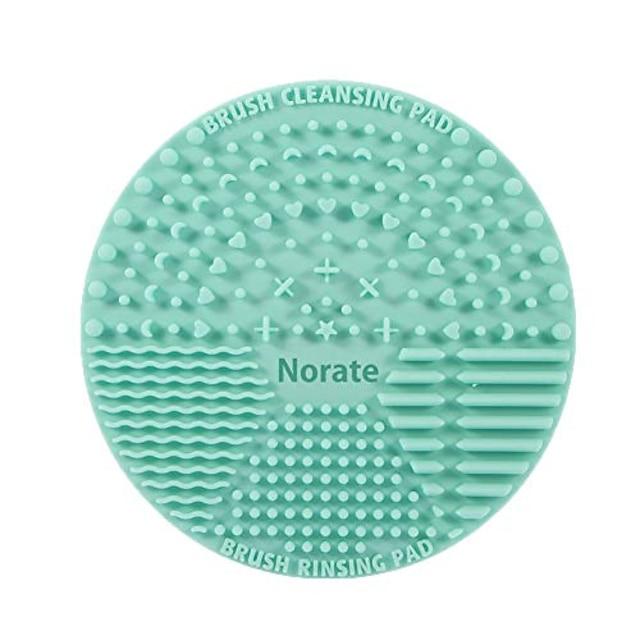 ブラシクリーニングマット、シリコンメイククリーニングブラシスクラバーマットポータブル洗浄ツール化粧ブラシクリーナー、バレンタインデー用サクションカップ付き