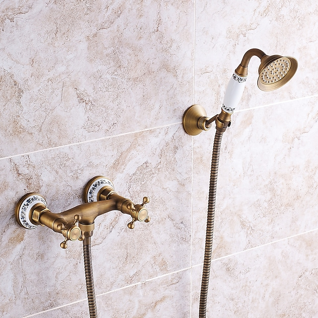 Shower Faucet Set - Handshower Included pullout Vintage Style / Country Antique Brass Mount Outside Ceramic Valve Bath Shower Mixer Taps / Two Handles One Hole