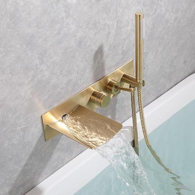 βρύση μπανιέρας από ορείχαλκο, βουρτσισμένο χρυσό / μαύρο τοίχο με καταρράκτη.