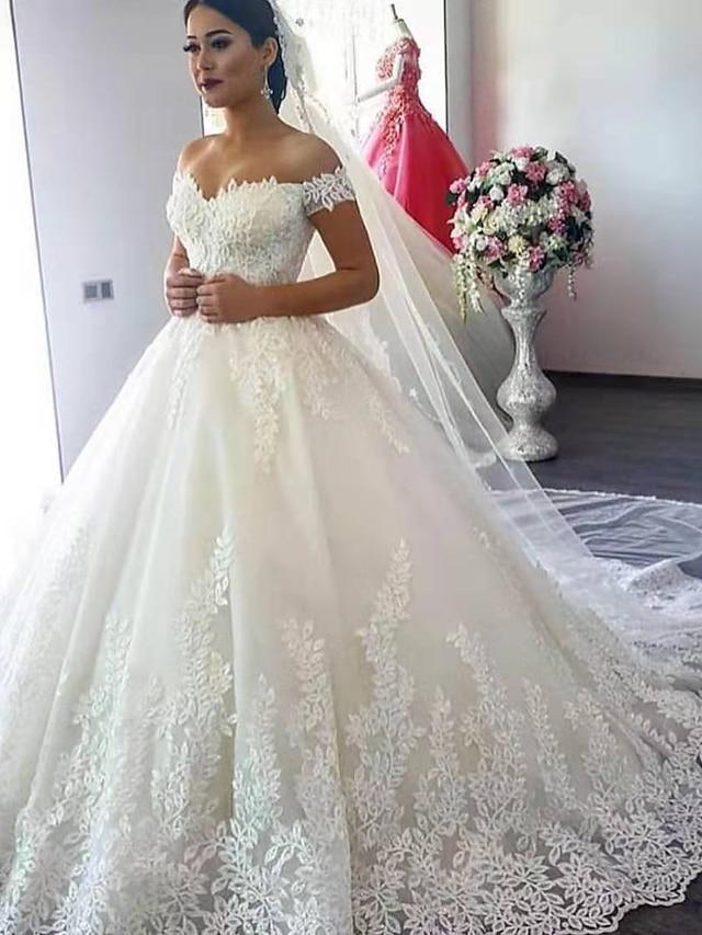 Balklänning Bröllopsklänningar Över axeln Hovsläp Spets Kortärmad Formella Glittra och gläns med Applikationsbroderi 2021
