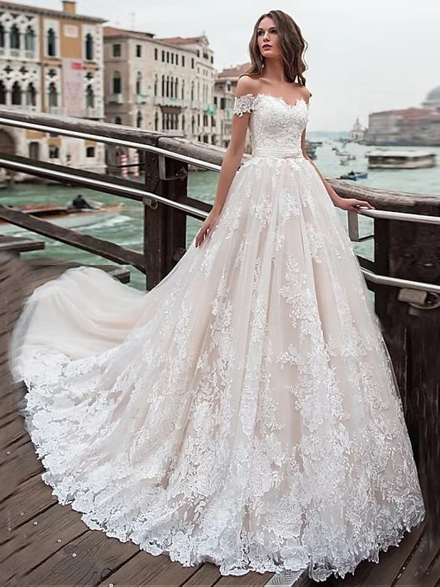 Ball Gown A-Line Wedding Dresses Off Shoulder Chapel Train Lace Tulle Short Sleeve with Appliques 2021