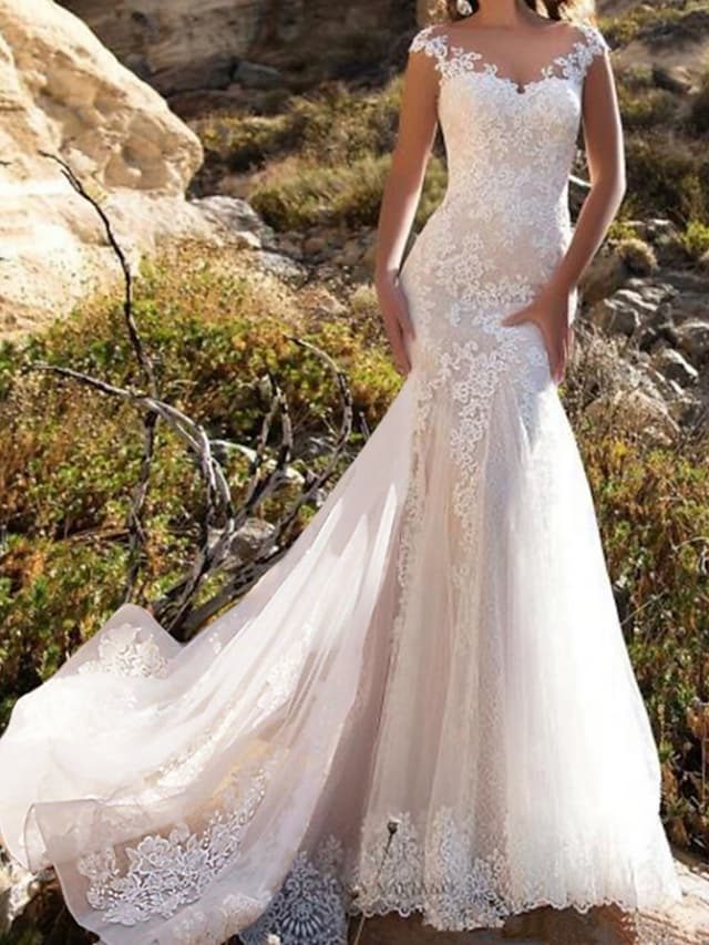 Mermaid / Trumpet Wedding Dresses Jewel Neck Chapel Train Lace Tulle Sleeveless Glamorous with Lace Insert Appliques 2021